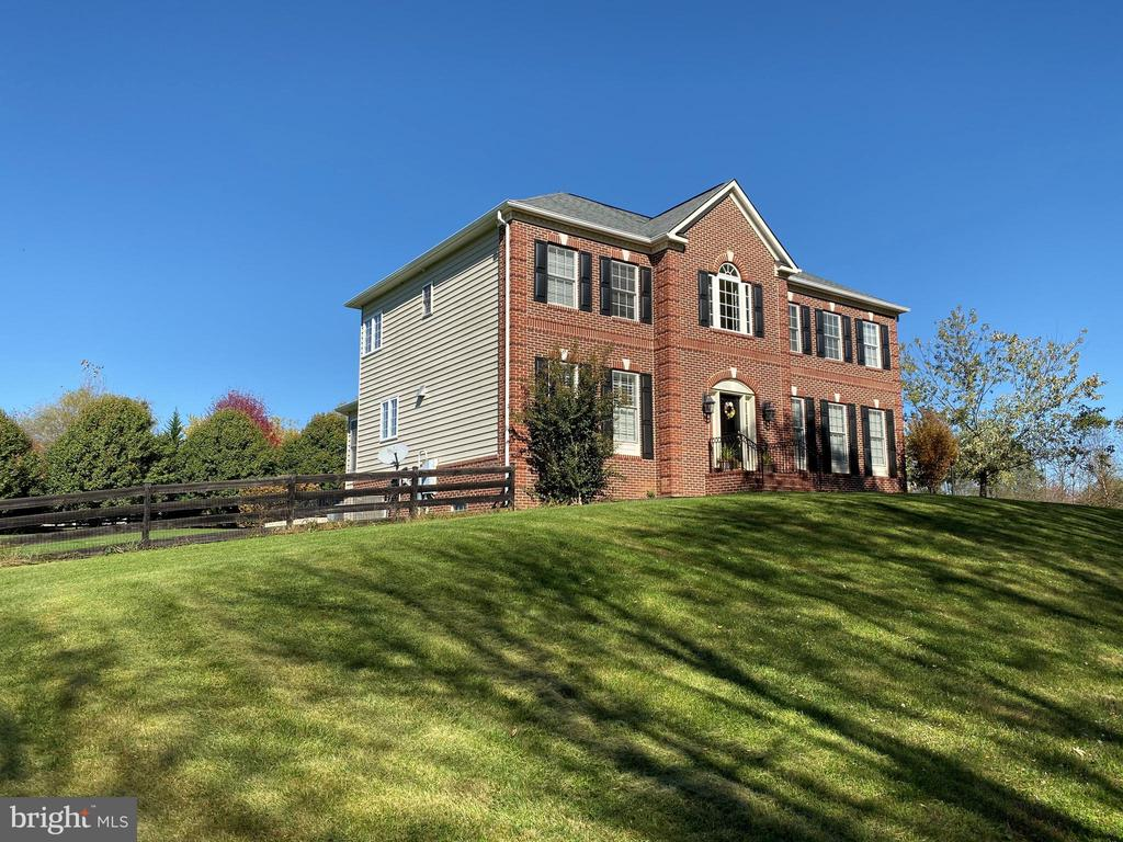 Front view in Summer - 37894 ST FRANCIS CT, PURCELLVILLE