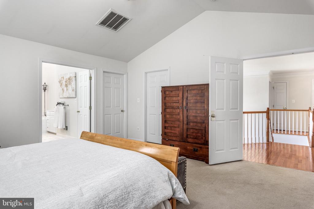 Master Bedroom w/two Walk-In Closets - 43371 LA BELLE PL, ASHBURN