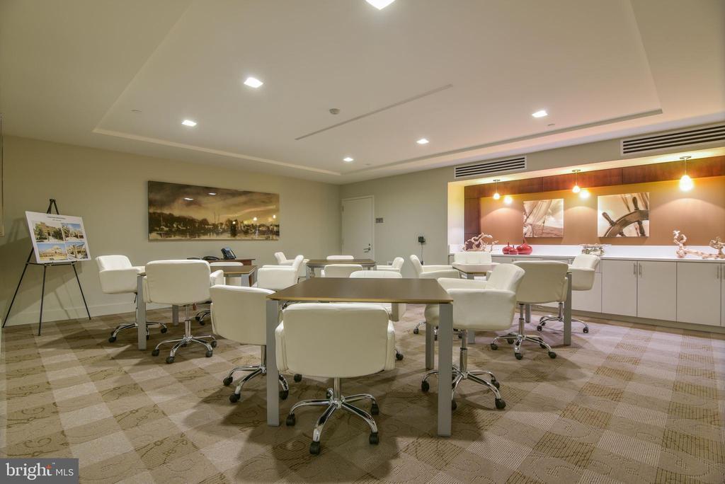 Business Center - 601 N FAIRFAX ST #605, ALEXANDRIA