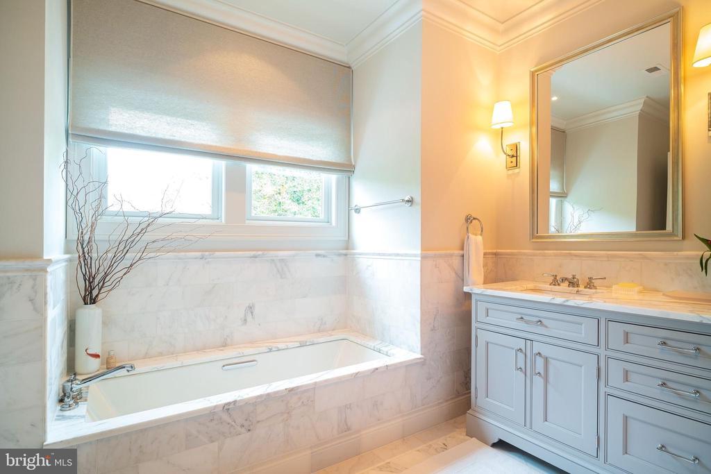 Master Bath w/ Soaking Tub - 6303 BROAD BRANCH RD, CHEVY CHASE