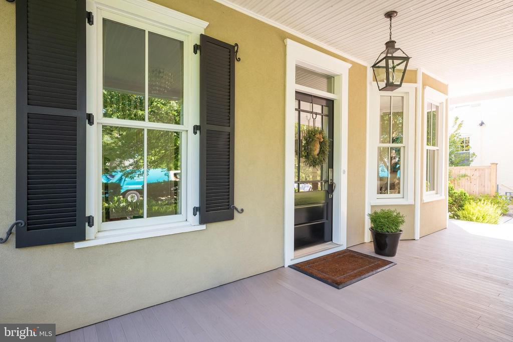 Welcoming Front Porch - 6303 BROAD BRANCH RD, CHEVY CHASE