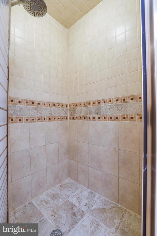 Master bath shower - 7810 WARFIELD RD, GAITHERSBURG