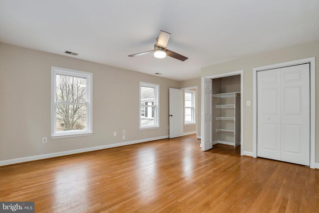 Third bedroom - 7810 WARFIELD RD, GAITHERSBURG
