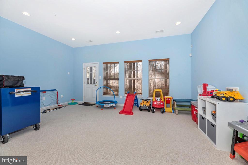 Basement Rec Room - 25371 DAMASCUS PARK TER, DAMASCUS