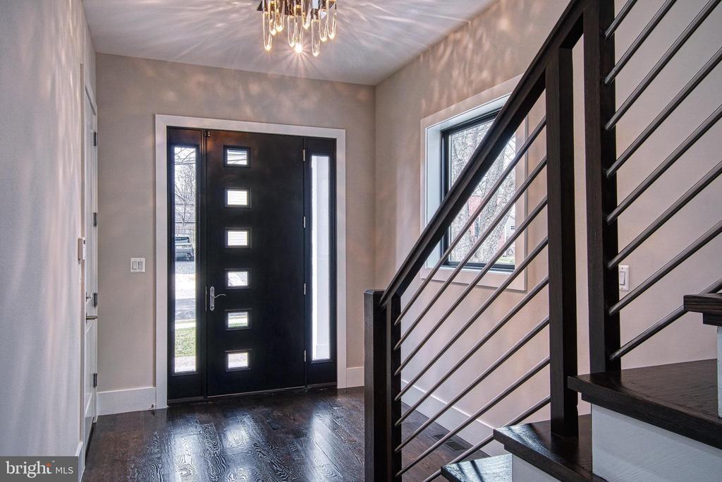 Foyer - 1239 N TAYLOR ST, ARLINGTON