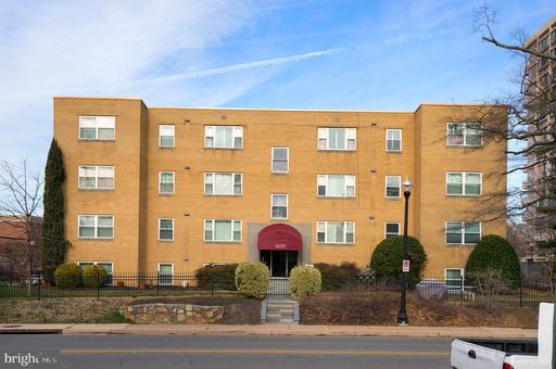 4225 N HENDERSON RD #302