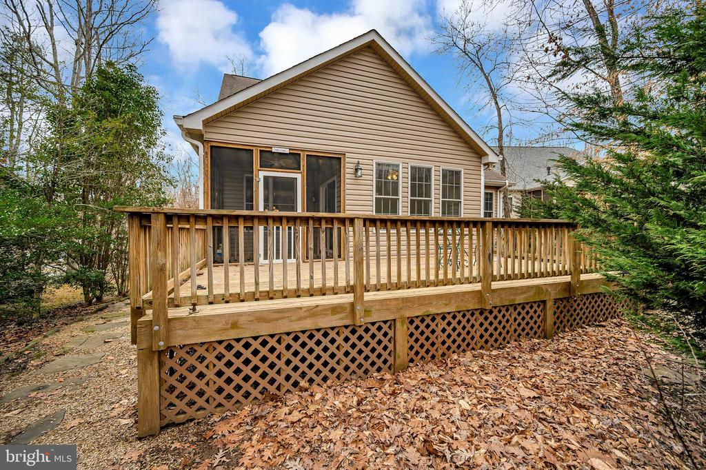 Plenty of space for grilling and entertaining! - 1010 EASTOVER PKWY, LOCUST GROVE