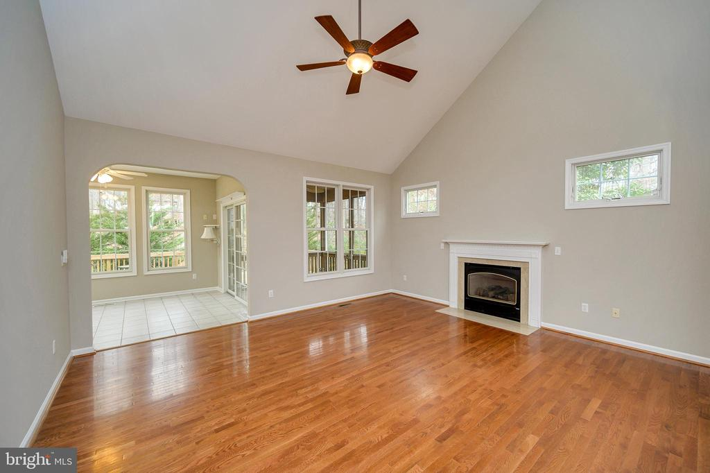 Living room opens to sunroom - 1010 EASTOVER PKWY, LOCUST GROVE