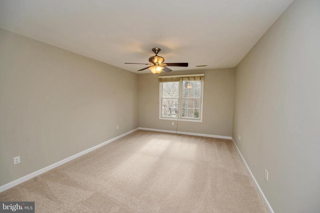 Spacious bedroom #2 freshly painted and carpeted - 1010 EASTOVER PKWY, LOCUST GROVE