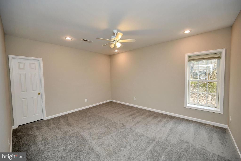 Huge lower level bedroom #4 - 1010 EASTOVER PKWY, LOCUST GROVE