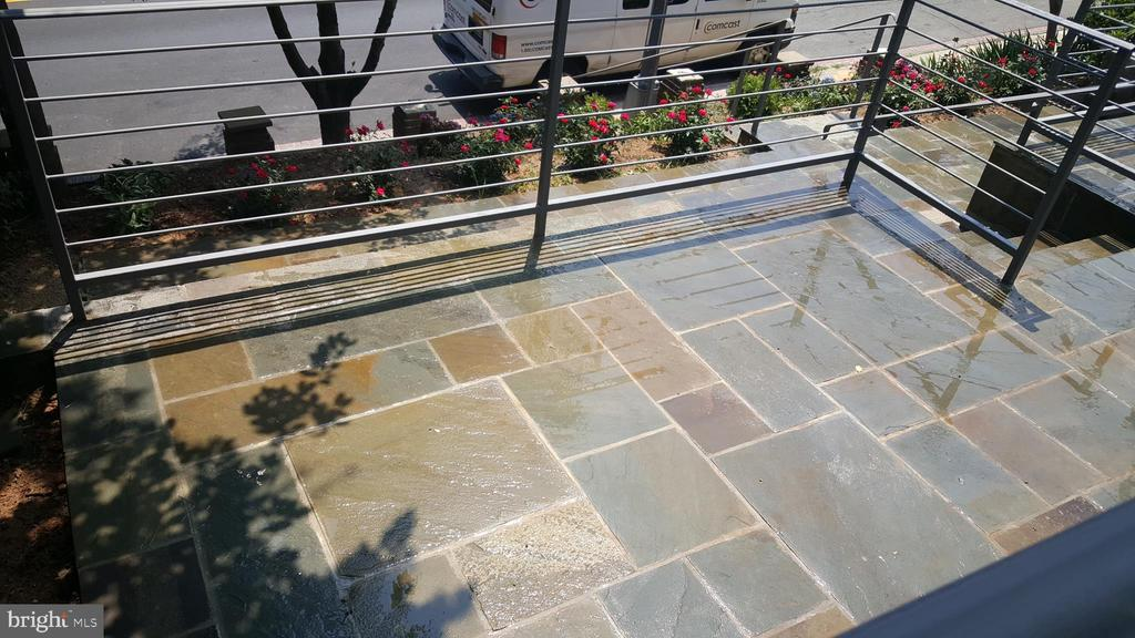Tiered Patio Space in Front Of Buliding - 208 T ST NE, WASHINGTON