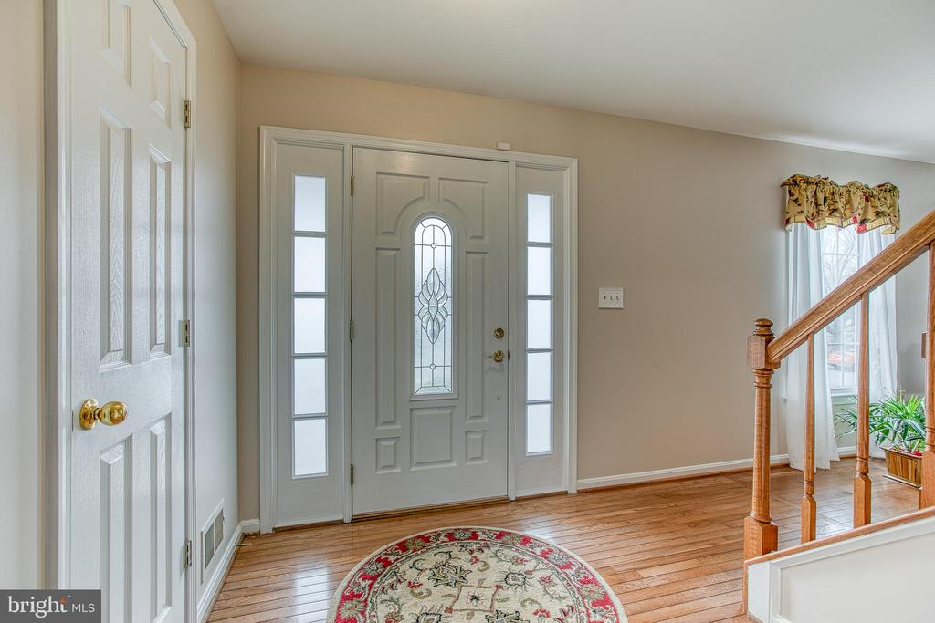 Neutral color paint! - 4 MARKHAM WAY, STAFFORD