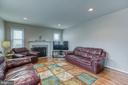 Family room with lots of space to make it your own - 4 MARKHAM WAY, STAFFORD