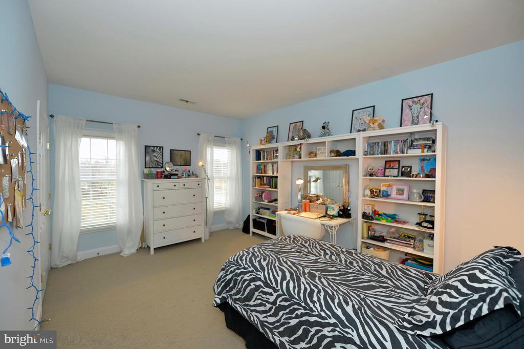 Third Spacious Bedroom - 36335 SILCOTT MEADOW PL, PURCELLVILLE