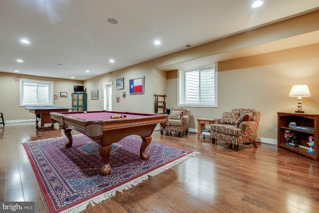Spacious Rec Room With Wood Floors - 21883 KNOB HILL PL, ASHBURN