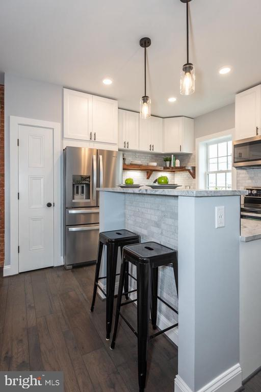 2 Person Kitchen Island - 165 B AND O AVE, FREDERICK