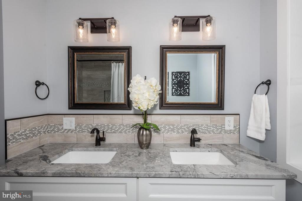 2nd floor bathroom vanity - 165 B AND O AVE, FREDERICK