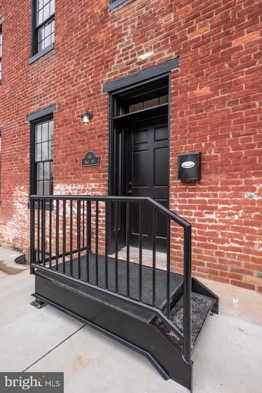 Steel Stoop and railing - 165 B AND O AVE, FREDERICK