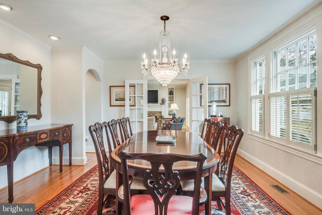 Large Dining Room with plenty of natural light - 136 LAFAYETTE AVE, ANNAPOLIS