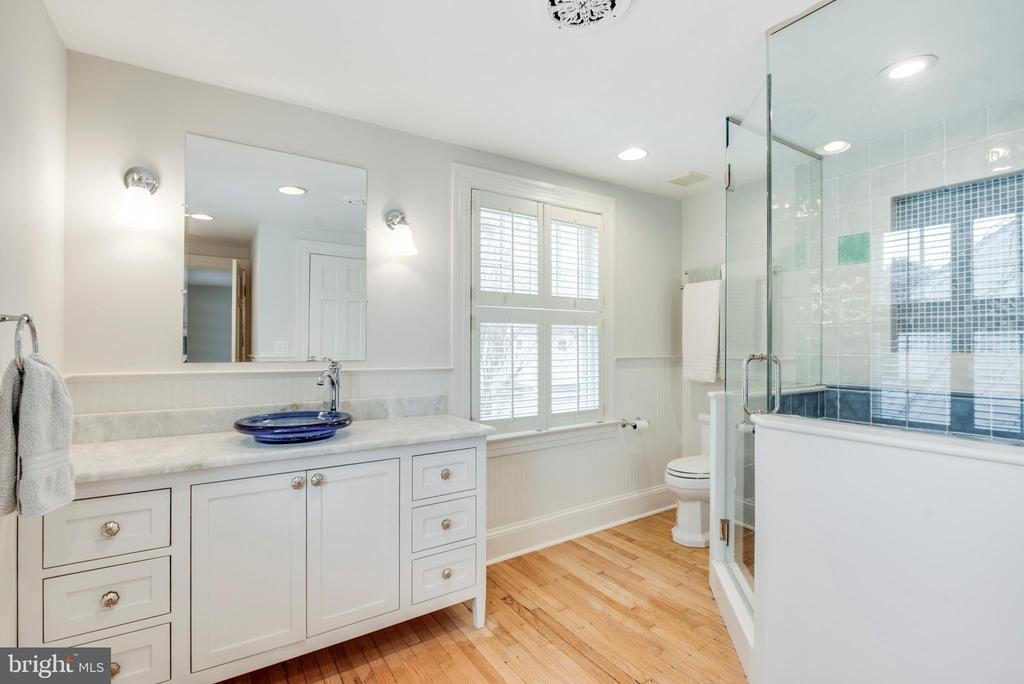 Bathroom w/shower stall and wood flooring - 136 LAFAYETTE AVE, ANNAPOLIS