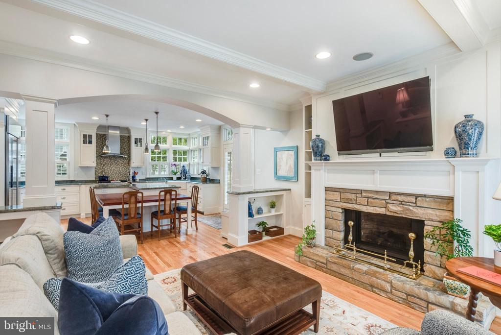 Family Room convenient to Kitchen - 136 LAFAYETTE AVE, ANNAPOLIS