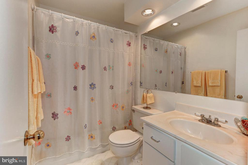 2nd bathroom - 7700 LAFAYETTE FOREST DR #23, ANNANDALE