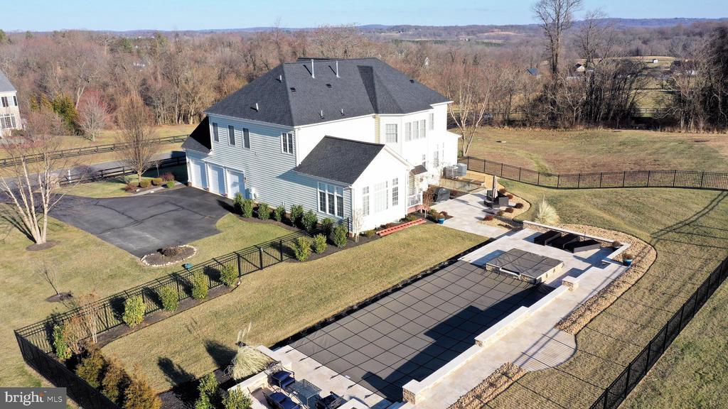 Aerial view from garage side - 36335 SILCOTT MEADOW PL, PURCELLVILLE