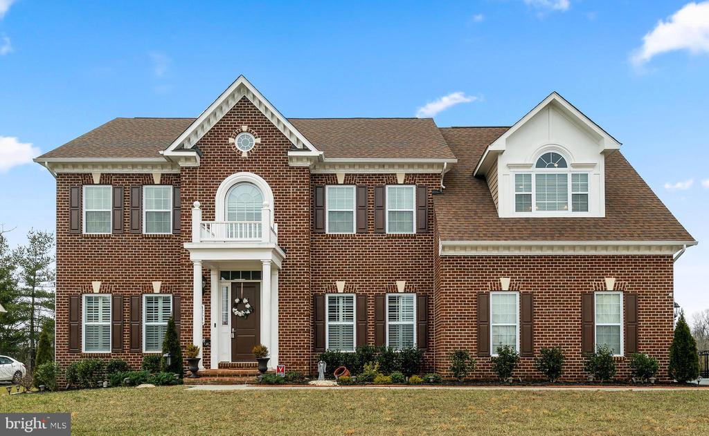 Stunning Curb Appeal - 42545 KERSHAW PL, CHANTILLY