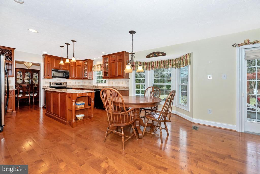 Kitchen-Table Space - 10649 FINN DR, NEW MARKET