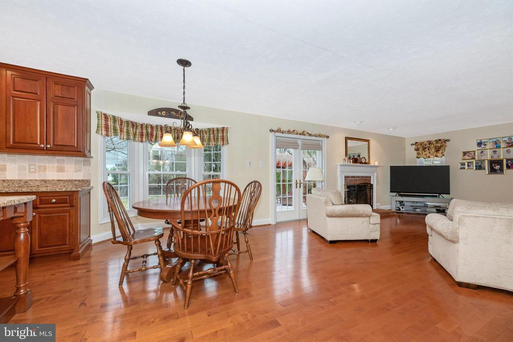 Kitchen-Table Space/Family Room - 10649 FINN DR, NEW MARKET