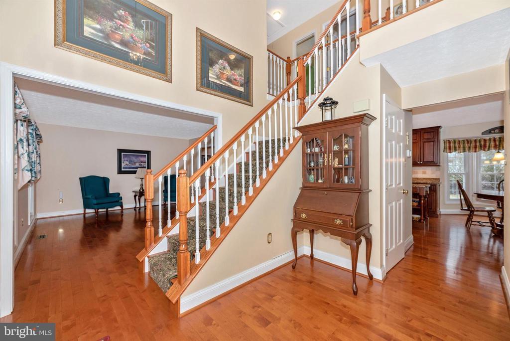 Open Foyer - 10649 FINN DR, NEW MARKET