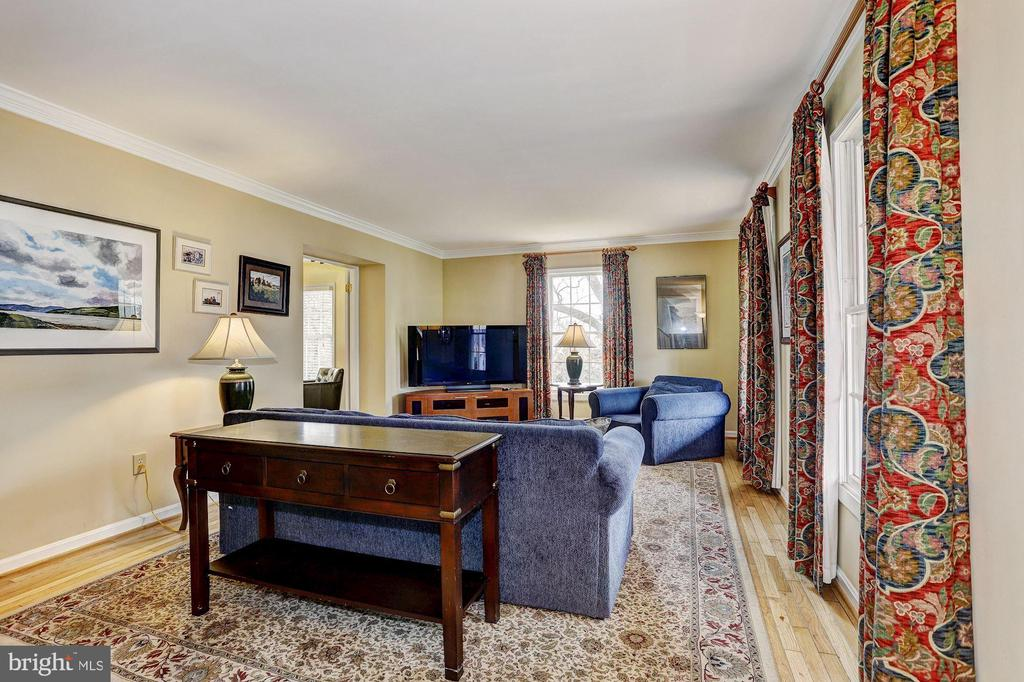Living Room - 10419 GORMAN RD, LAUREL
