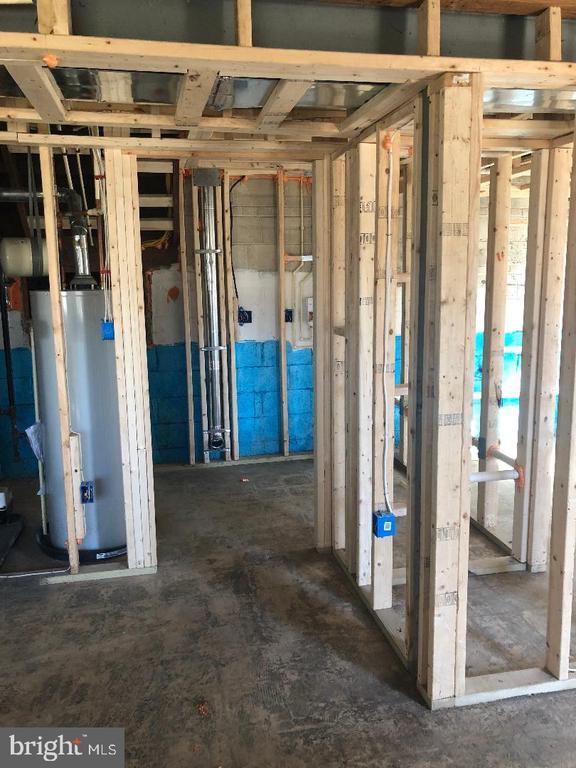 New Basement/ full bath, 2 B rooms & living room. - 4756 POMPONIO PL, ANNANDALE