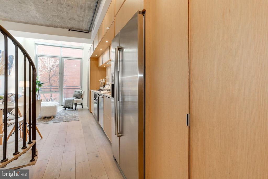 Enter into your light filled condo - 1515 15TH ST NW #206, WASHINGTON