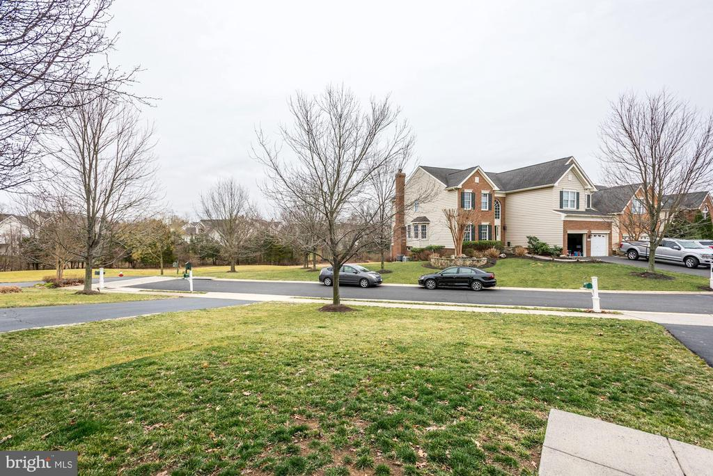 - 43386 LA BELLE PL, ASHBURN