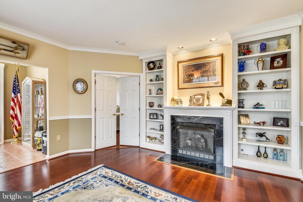 Living Room - 11775 STRATFORD HOUSE PL #303, RESTON