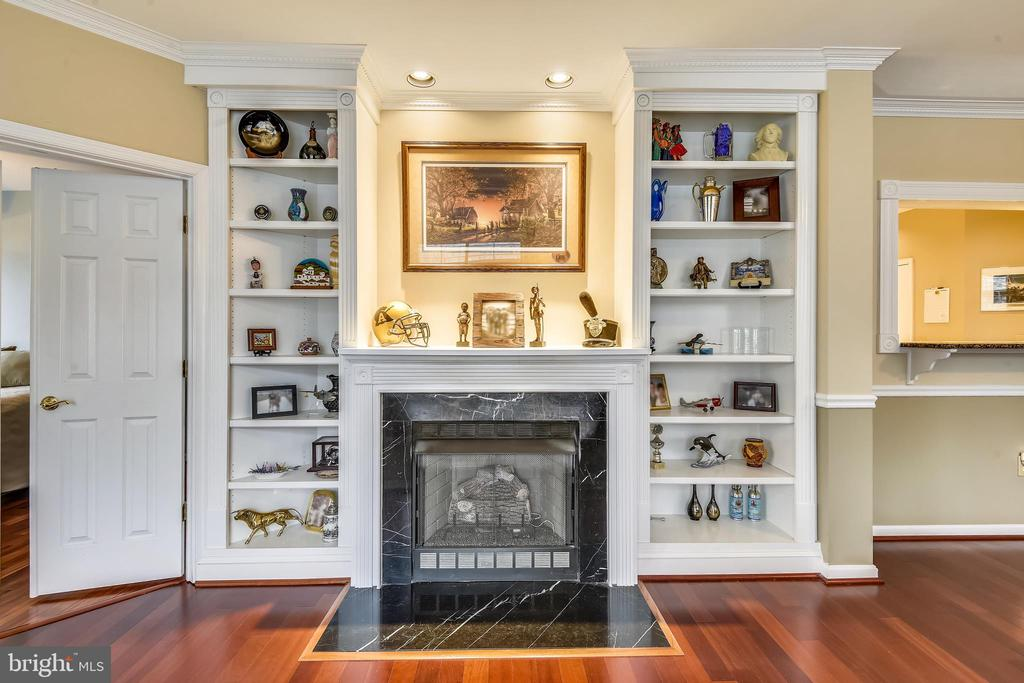 Built-Ins and gas fireplace - 11775 STRATFORD HOUSE PL #303, RESTON