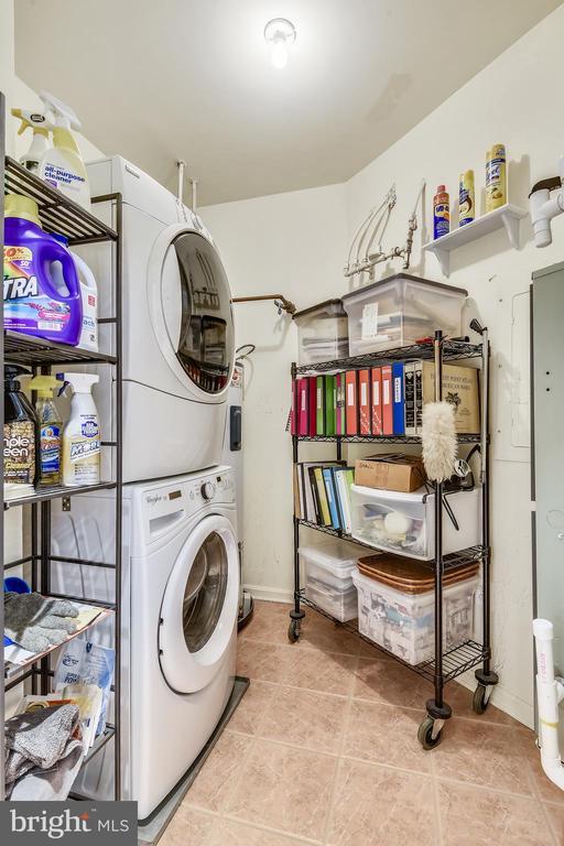 Laundry Room/Pantry off Kitchen - 11775 STRATFORD HOUSE PL #303, RESTON