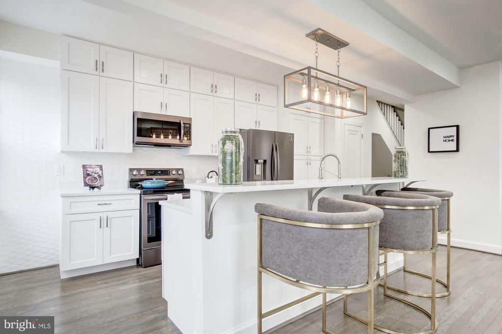 Enjoy New  Dining Island and Slow Close Cabinetry - 5710 3RD PL NW, WASHINGTON
