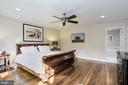 Generous master with newly renovated en-suite. - 6951 GREENTREE RD, BETHESDA