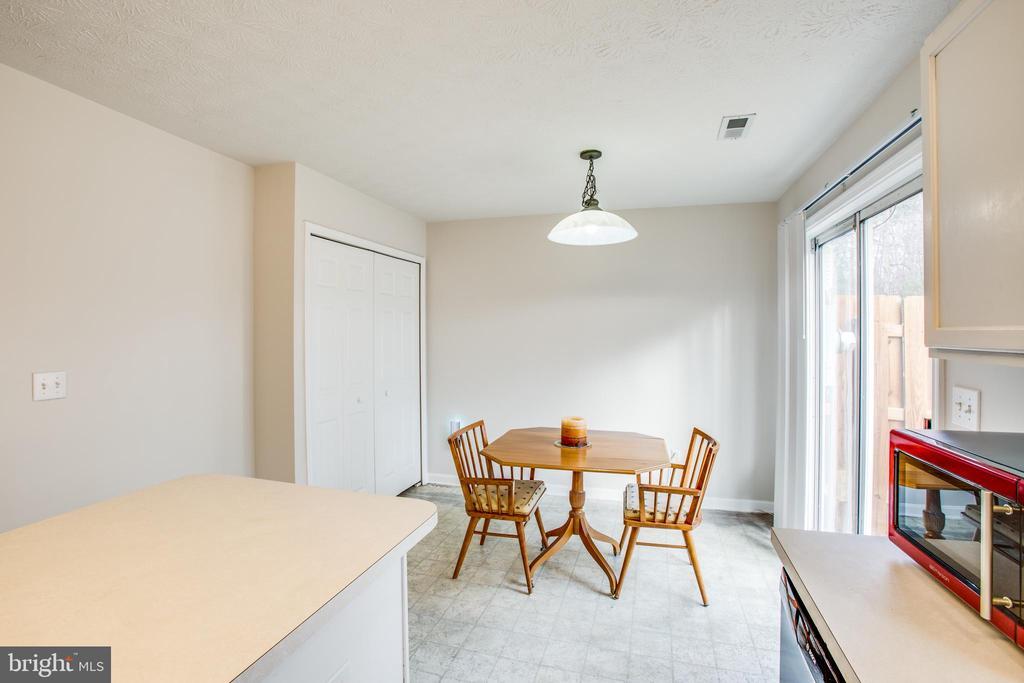 Dining area - 9710 W MIDLAND WAY, FREDERICKSBURG