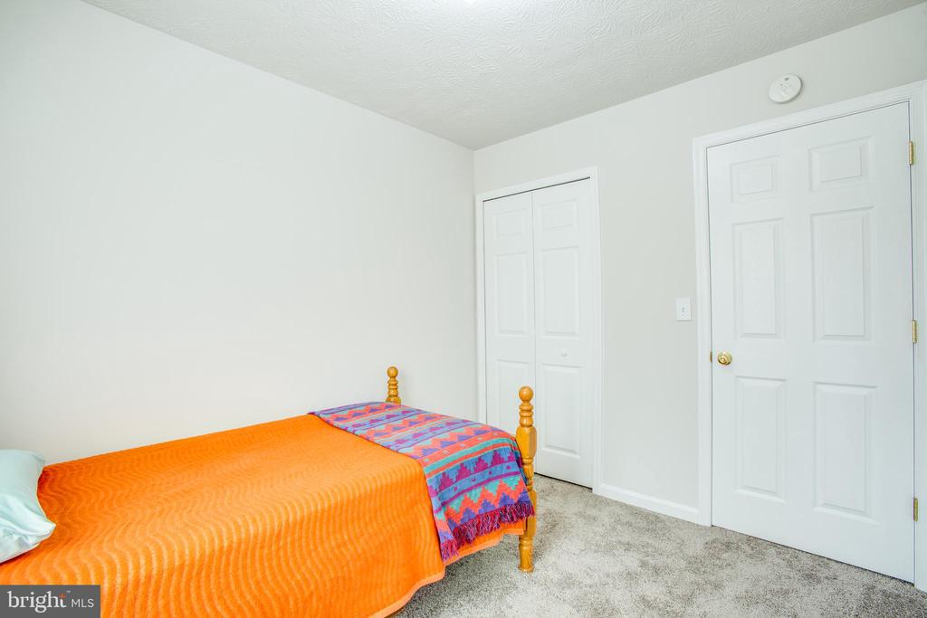 New paint and carpet - 9710 W MIDLAND WAY, FREDERICKSBURG