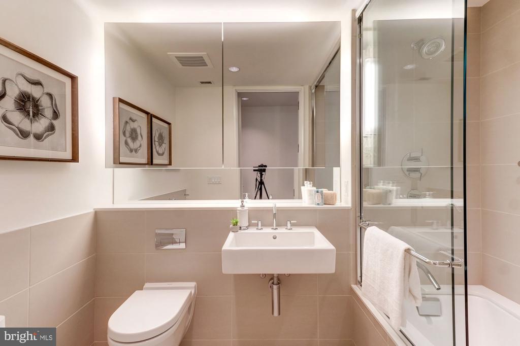 Bathroom 2 - 920 I ST NW #502, WASHINGTON