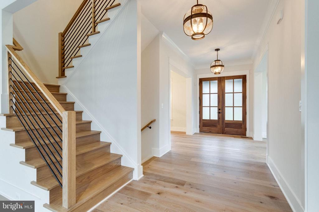 Main hallway and stairway - 10317 BURKE LAKE RD, FAIRFAX STATION