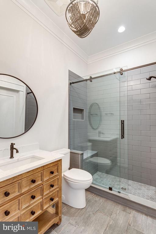 Main level full bathroom - 10317 BURKE LAKE RD, FAIRFAX STATION