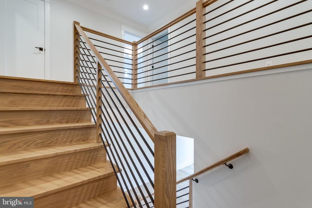 Stairs to upper level - 10317 BURKE LAKE RD, FAIRFAX STATION