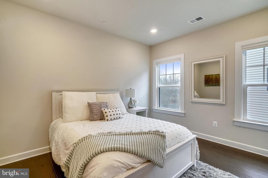 Guest Bedroom #4 Recessed Lights & HW Floor - 6141 FALLFISH CT, NEW MARKET