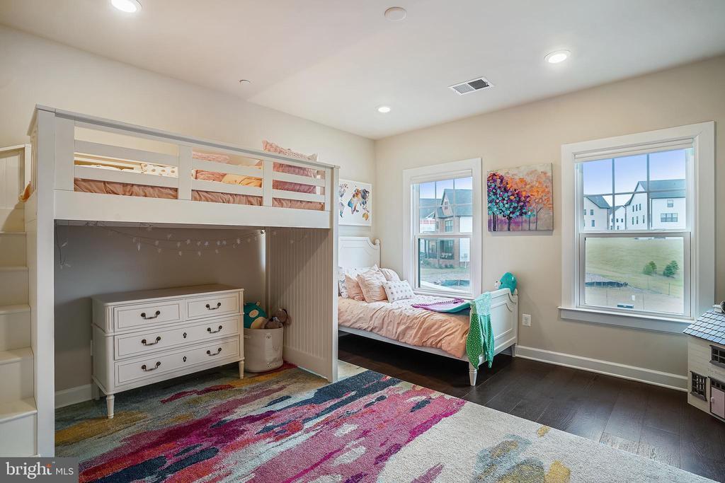 Bedroom #2 Recessed Light & HW Floors - 6141 FALLFISH CT, NEW MARKET