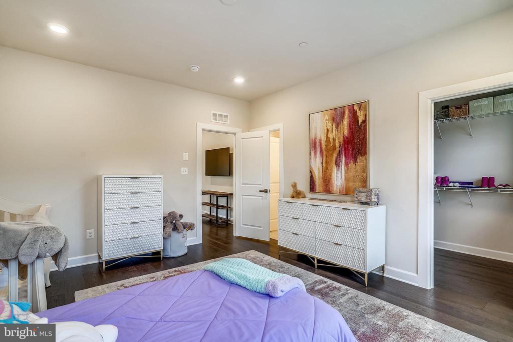 Bedroom #3 Walk-in Closets - 6141 FALLFISH CT, NEW MARKET