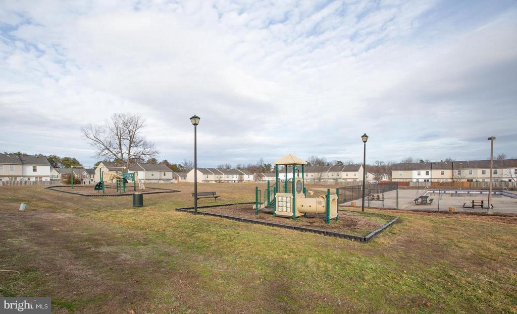 Tot lot/playgrounds - 9710 W MIDLAND WAY, FREDERICKSBURG
